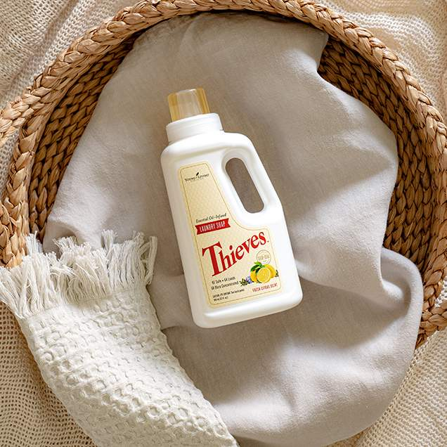 Thieves Laundry Soap gently and naturally washes your clothes, cleaning them without leaving behind any chemical or synthetic residue. Fabrics come out of the washer clean with a pleasant citrus aroma, thanks to 100 percent pure Thieves, Jade Lemon, and Bergamot essential oils.